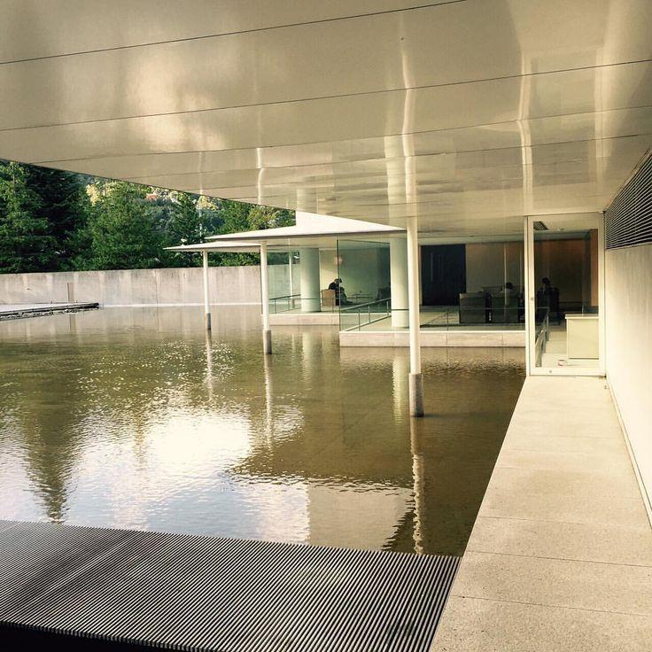 谷口吉生 ( 建築家 ) の手による東山魁夷館 。ー 2 Higashiyama Kaii Gallery by architect Yoshio Taniguchi -2