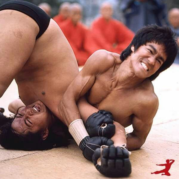 Sammo Hung & Bruce in Enter the Dragon