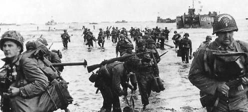 Tropas de Estados Unidos desembarcan en Omaha Beach el Día D