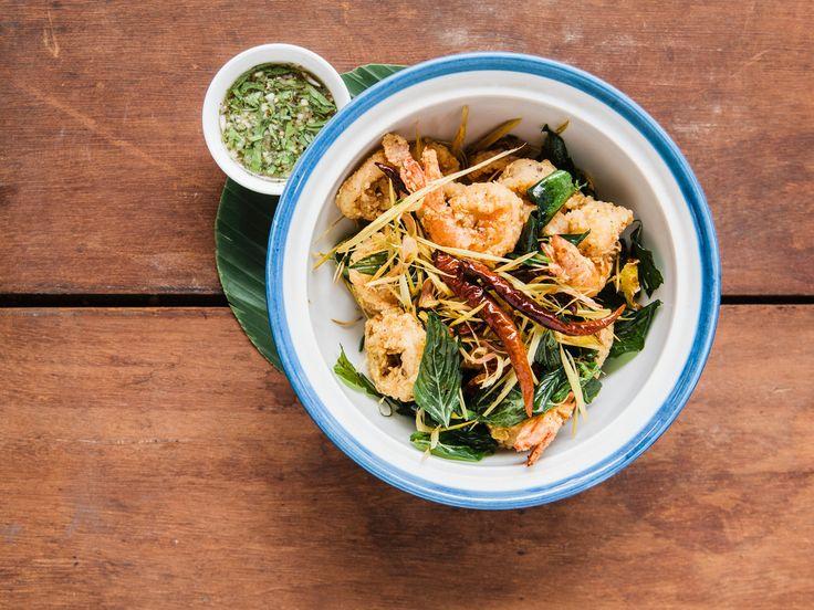 Crispy Calamari And Shrimp With Pepper Lime Sauce Sauces