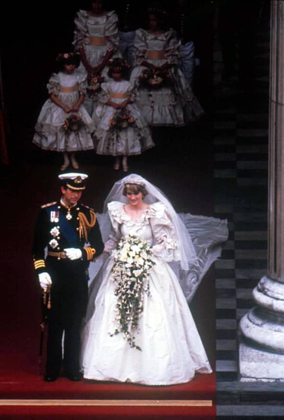 Bilder Der Unvergessenen Lady Diana 36 Lady Diana Prinzessin Diana Hochzeit Prinzessin Diana