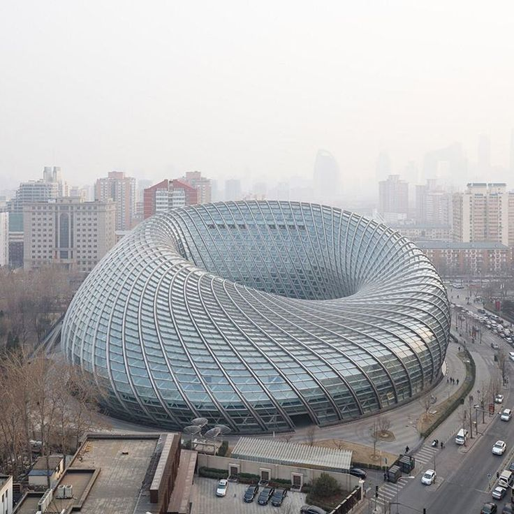 "16.2 k mentions J'aime, 63 commentaires - Dezeen (@dezeen) sur Instagram : ""Second in our round up of distinctive Chinese architecture for Chinese New Year is Phoenix…"""