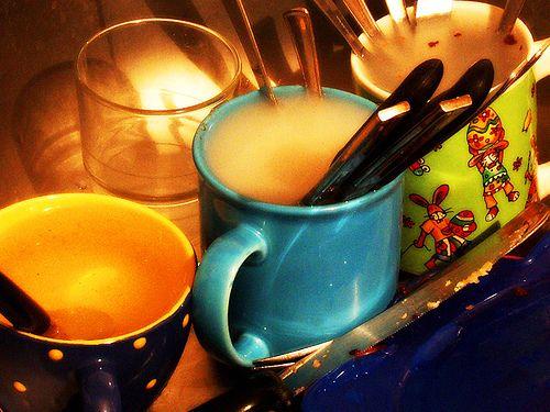 Lavare i piatti - http://invitaveritas.altervista.org/come-lavare-bene-i-piatti/