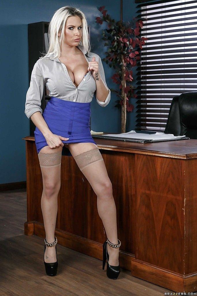 Hot sekretärin