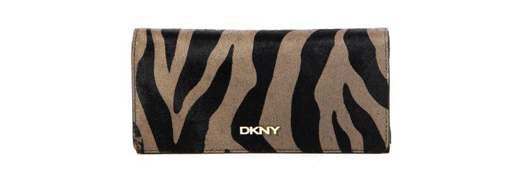 DKNY - Van den Assem Schoenen #ponyhair #dkny #portemonnee #wallet http://www.assem.nl/accessoires/damesaccessoires/portemonnees/dkny/zwart/r3421402/7060.2.105528/