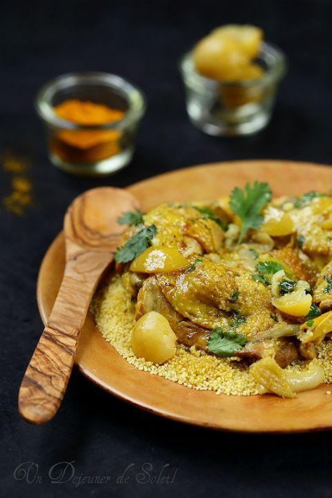 Tajine de poulet au citron et aux olives - plutôt PL, à servir avec du couscous d'orge ou de quinoa ou grains de quinoa, veiller à prendre des citrons confits à l'huile et au sel sans additif.