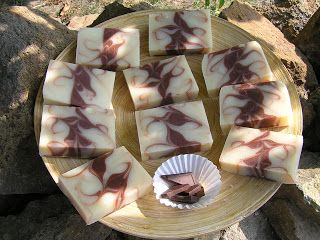 Soap inspiration from Reformkence.blogspot.com  This incredible looking soap is goats milk and chocolate, cocoa butter!