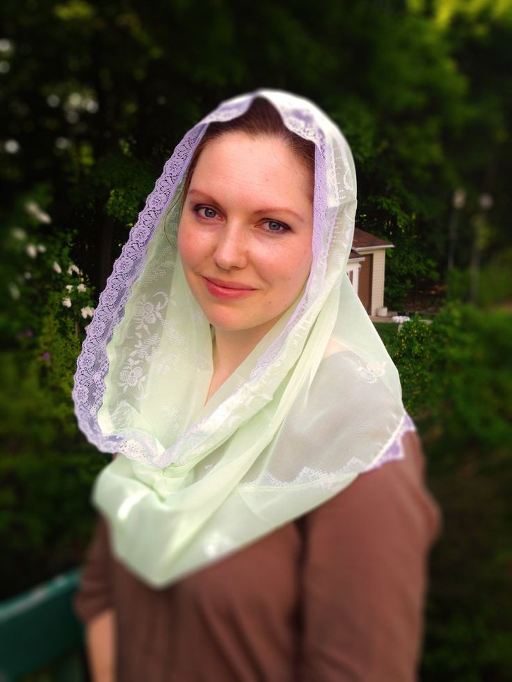 Infinity Mantilla, Light Green Catholic Chapel Veil, Catholic Mantilla, Chapel Mantilla, Chapel Scarf, Church Veil, Catholic Veil,Green Veil