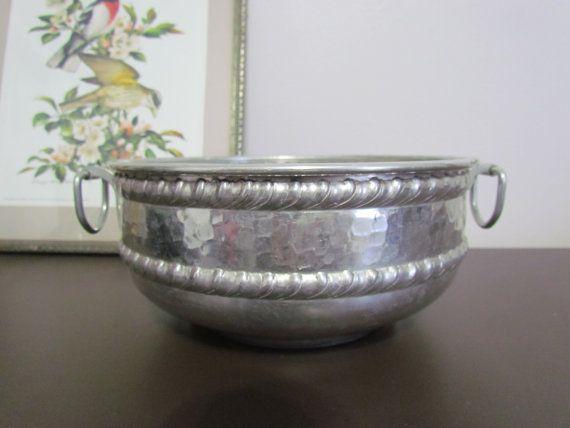 Vintage Hammered Aluminum Bowl & 76 best Hammered Aluminum Dishes images on Pinterest | Serving bowls ...