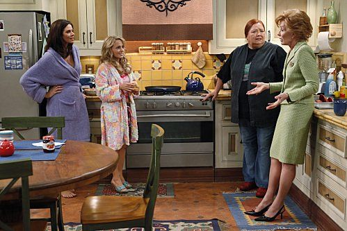 Still of Holland Taylor, Jennifer Taylor and Kelly Stables in Two and a Half Men
