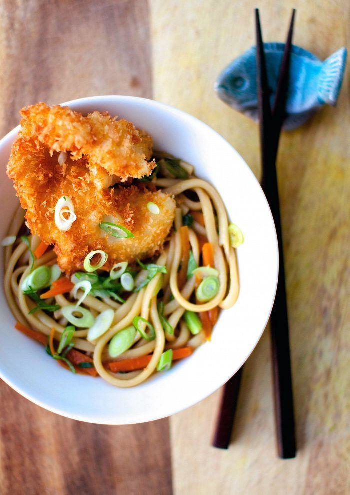 Vielä on talvea jäljellä: upota paksut nuudelit maukkaaseen liemeen ja friteeraa päälle kalaa.