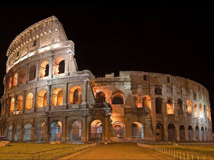 Il Colosseo, originariamente conosciuto come Anfiteatro Flavio o semplicemente come Amphitheatrum, è il