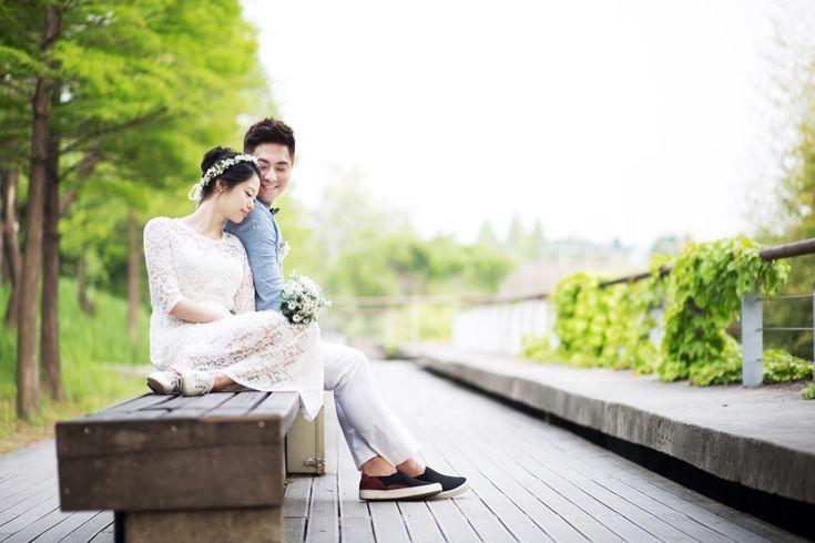 Summer Korea Couple Date Shoot at Sam Cheong Dong & Sunyudo Park, Seoul   Korea Pre-Wedding by Skydal Photography on OneThreeOneFour 16