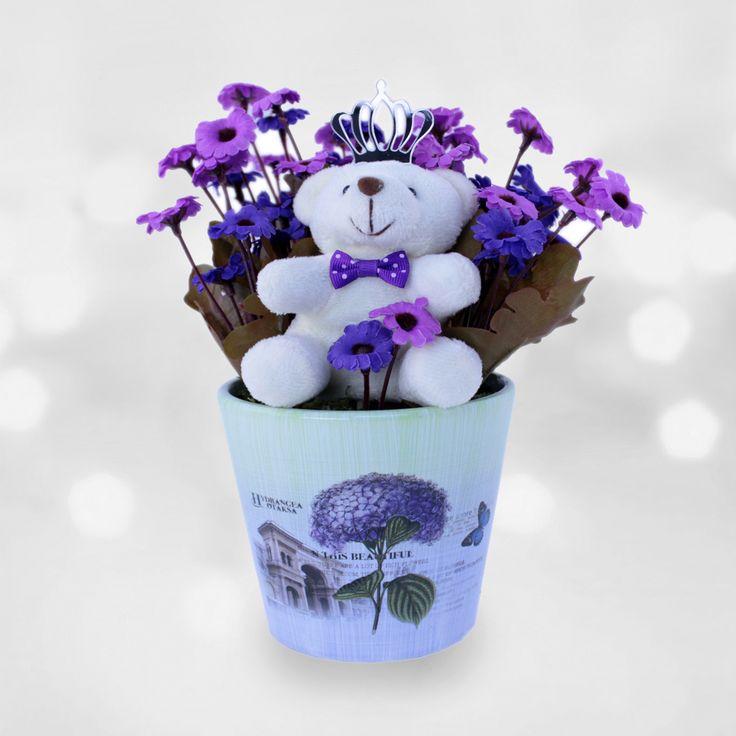 MORal Deposu  Sevdiğiniz hasta mı oldu? Çok zarif yapay çiçekler ve sevimli ayıcıktan oluşan bu ürün sevdiklerinizin moral depolamasını sağlayacaktır.