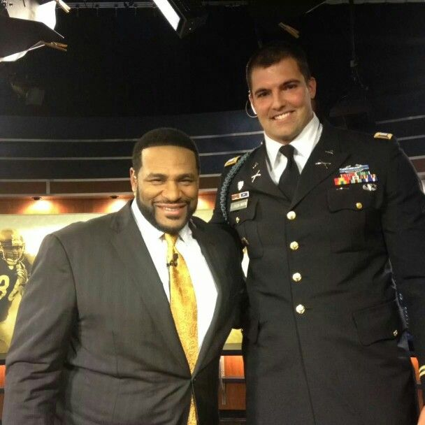 US Military Veteran Alejandro Villanueva and now a member of the Pittsburgh Steelers practice squad with Jerome Bettis