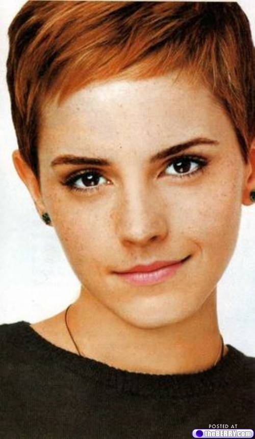I wish I had the guts to do what she did with her hair. So beautiful.