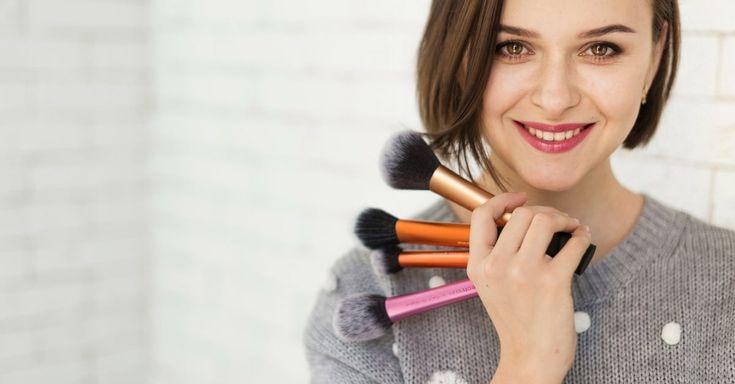 Pincel de maquiagem também contém bactérias - Aprenda a limpar | Makeup tips, Make up artis, Makeup brushes