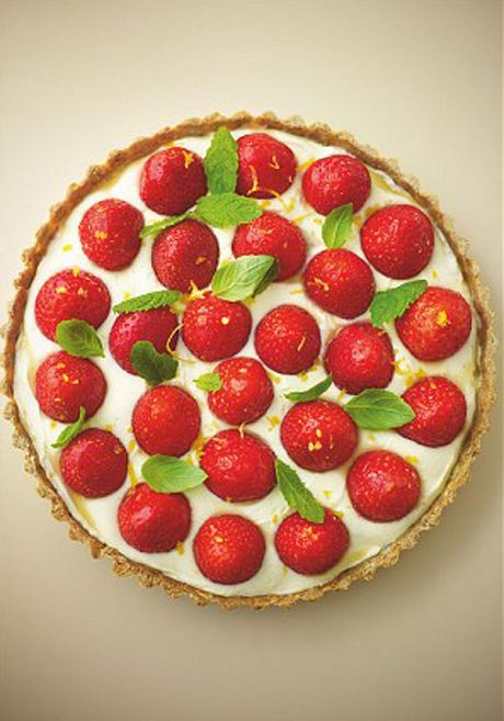 Lorraine Pascale's healthy strawberry tart with lemon vanilla cream - Telegraph