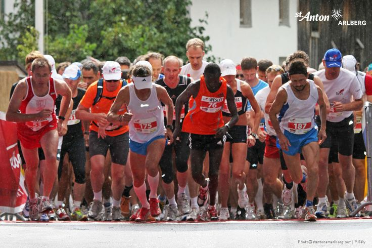 "The half marathon ""Arlberger Jakobi Run"" leads from the centre of St. Anton through ever-changing landscapes to Nasserein, St. Jakob and Schnann. After crossing the Rosanna River, the route leads back in the direction of St. Anton am Arlberg. 