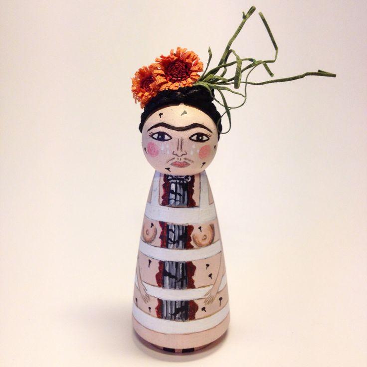 friducha / frida kahlo / handmade / woodendoll