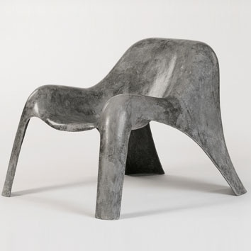 Spurt lounge chair by Paulsberg in textile reinforced concrete