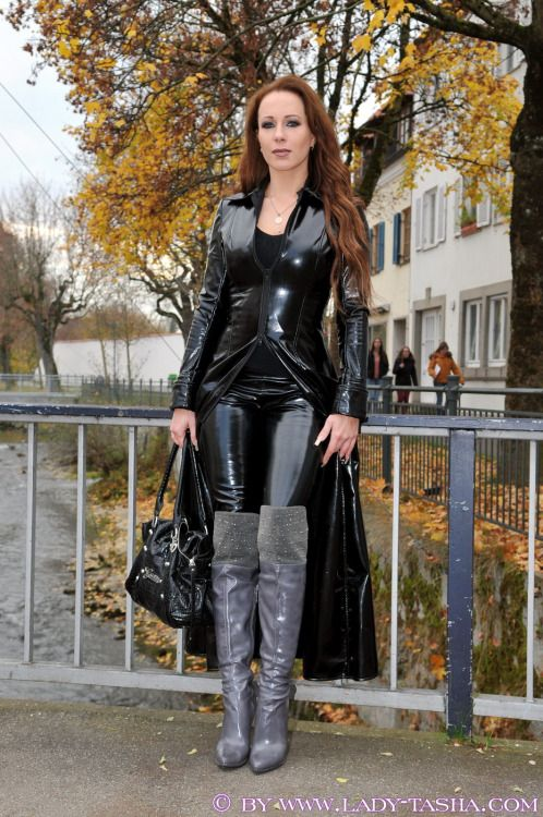 shmoothandshiny: Lady Tasha ️ | queen | Latex dress, Latex ...
