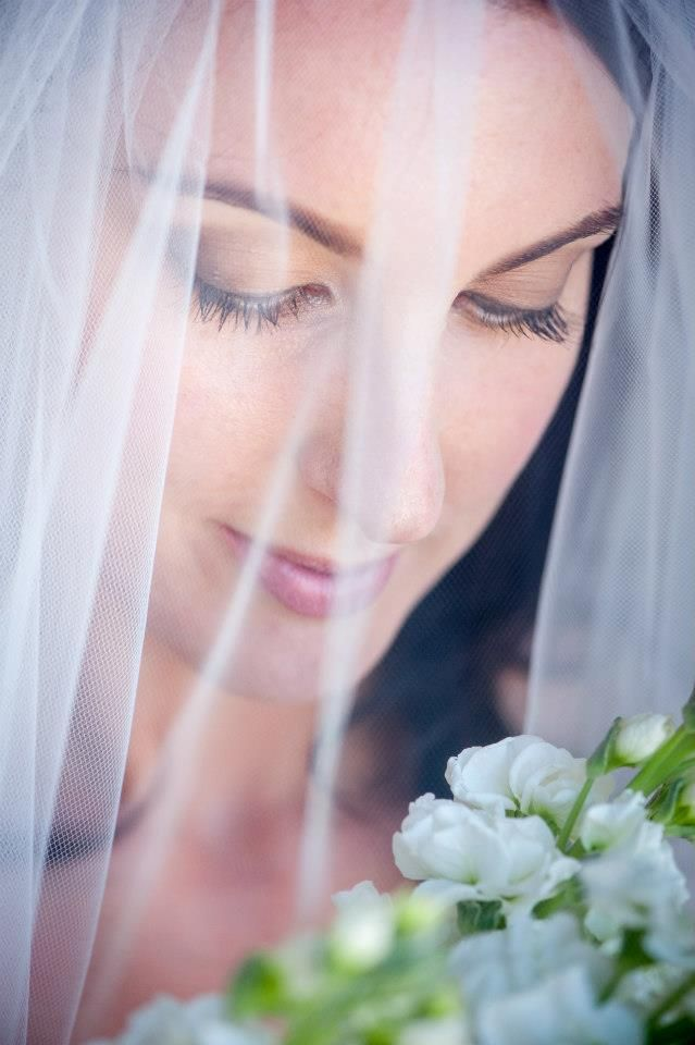 Janine Joseph is an experienced professional freelance makeup artist who specialises in bridal makeup application. Janine uses gorgeous M.A.C cosmetics and techniques that ensure her client will look beautiful on their wedding day (all day and night).