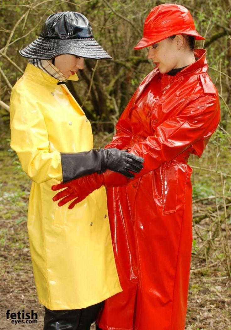 Lackmäntel Rot und Gelb | ~ ~ ~ Fetisheyes (1) ~ ~ ~ in ...