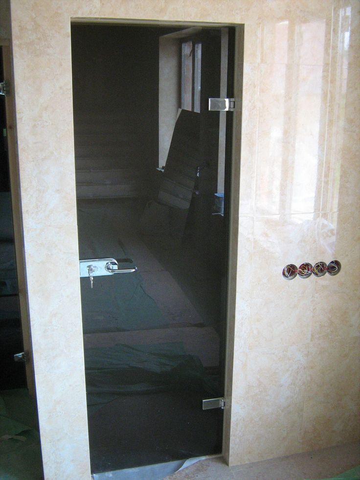 Очередная установленная дверь от нашей компании steklaspb.ru