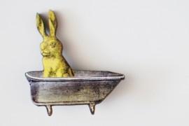 wooden brooch bathtub bunny: Wooden Brooches, Sloppop Yeah, Bathtubs Bunnies, Labels Sloppop, Brooches Bathtubs