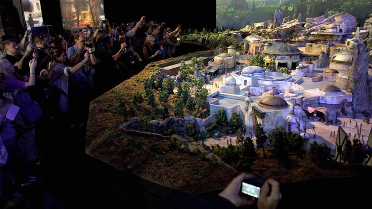 Disney's 3D Star Wars Diorama Park Theme