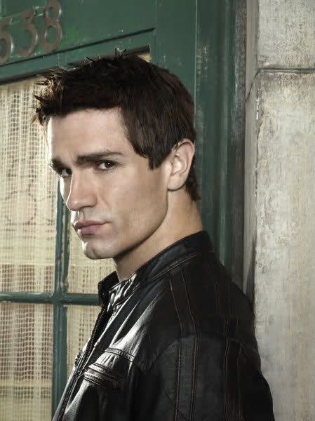 Sam Witwer from the U.S. version of Being Human. G-rowl.