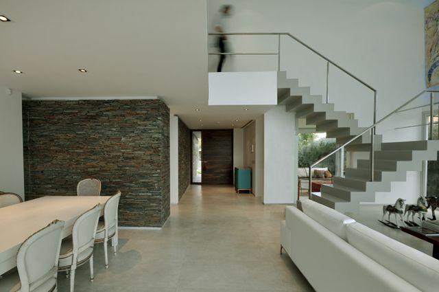 DLC House Proyecto, Dirección de Obra y Construcción  Más información:  http://vanguardaarchitects.com/es/what-we-do.php?sec=house&project=157  #Arquitectura #Architecture #Disenio #Design #SittingRooms #SalaDeEstar