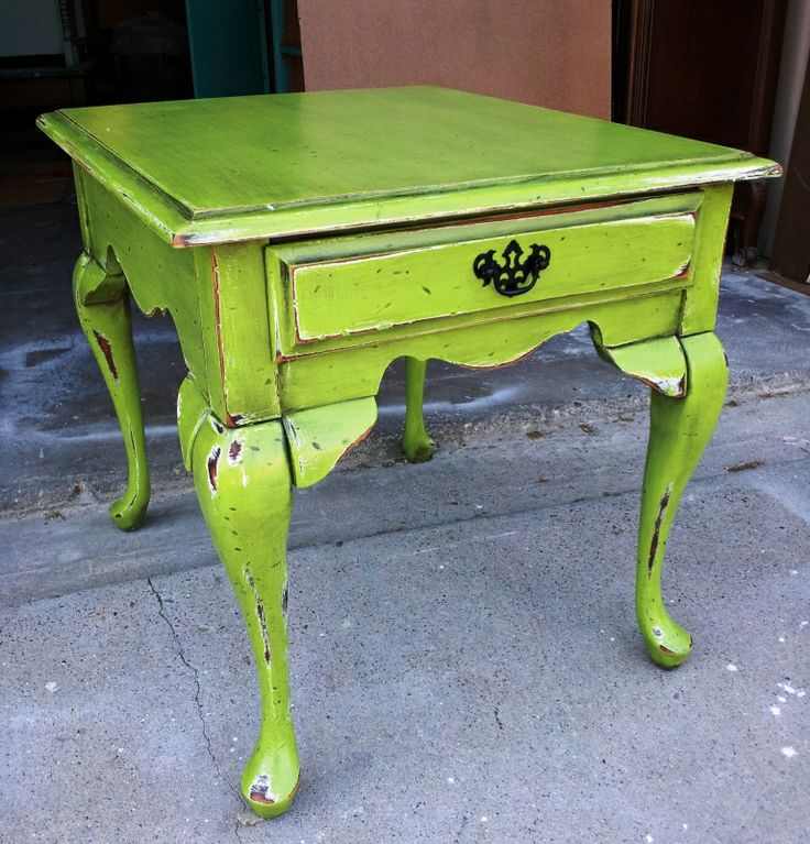 queen-anne-end-table-after distressed with a chain  This is my table! I already own it.  Just need that lime green paint.