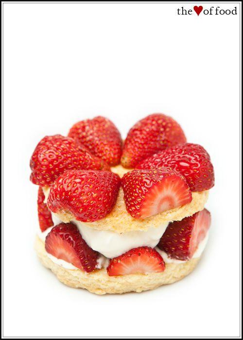 strawberry shortcake: Sweet Receipes, Recipe, Sweet Treats, Effortless Desserts, Food Fodder, Images, Strawberry Shortcake, Yumm Sweet, Strawberries Shortcake