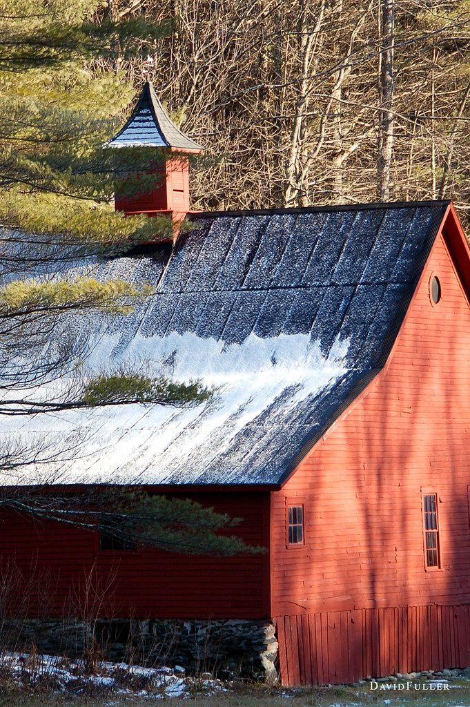 FARMHOUSE – BARN – traditional barn in winter.
