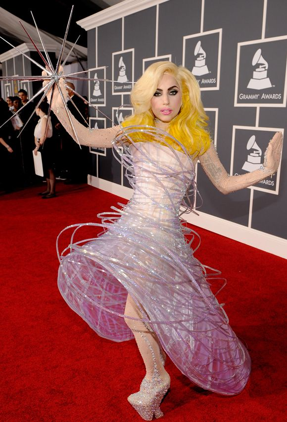 Not a huge Lady Gaga fan, however this was one of my favorite looks from her. I love the fact that she used a prop as well, to complete her look. Beautiful and artistic!