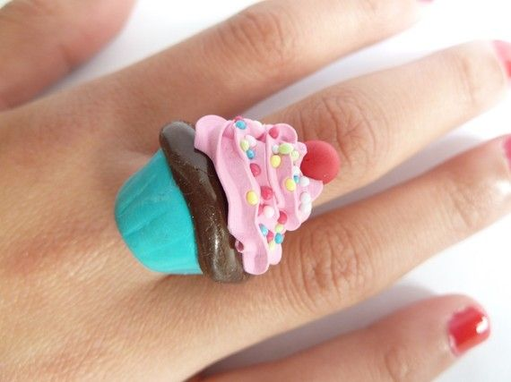 Katy Perry Ring  fake Cupcake verstellbarer Ring fimo von shimrita