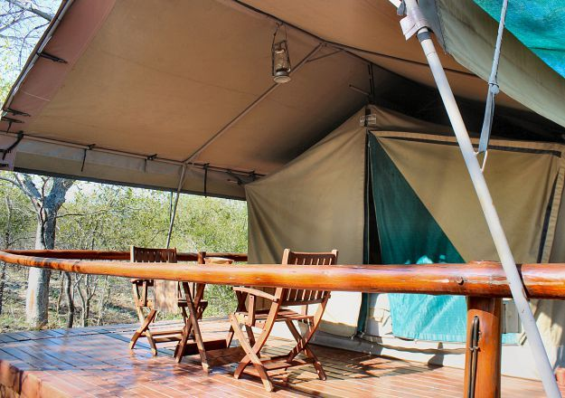 Luxury tents overlooking the Balule Parsons Nature Reserve. Roamers Rest Safari Lodge
