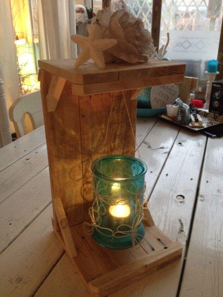 Lantaarn gemaakt van pallethout