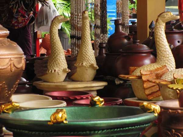 Berwisata di Yogyakarta tidak hanya sekedar ke pantai atau di tempat-tempat hiburan lainnya, anda bisa saja mengunjungi tempat-tempat lain di Yogya seperti wisata edukasi kasongan. Tempat ini merup…