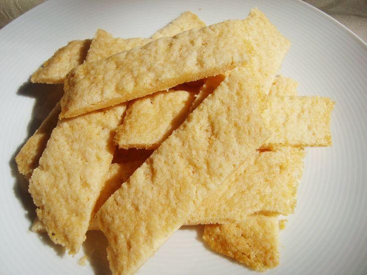 Kolakakor är en av mina favoritkakor. Jag testade att göra en glutenfri variant med naturligt glutenfritt mjöl och stärkelse; potatismjöl oc...