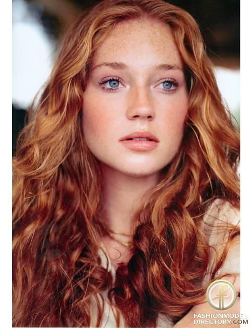 I love these colors, I'll have to try pink and peach with my red hair. #Redheadgirl