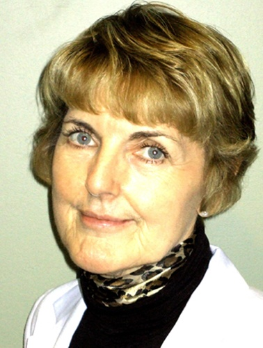 Author AILEEN BURFORD-MASON is a distinguished immunologist and an expert on micronutrients and supplements. She lectures widely to medical professionals and has developed a continuing medical education course on the use of diet and nutritional supplements in clinical practice.