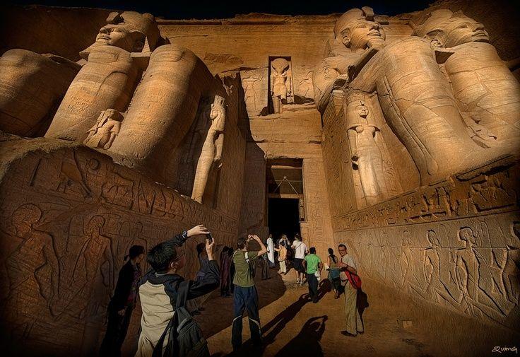 Tempio di Abu Simbel, Viaggio in Egitto Cairo e crociera Nilo http://www.italiano.maydoumtravel.com/Pacchetti-viaggi-in-Egitto/4/0/