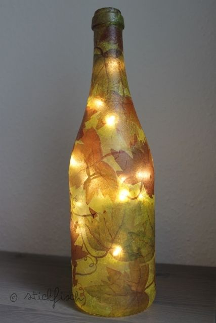 stickfisch diy flaschen lampe mit serviettentechnik einrichtungsideen pinterest deko. Black Bedroom Furniture Sets. Home Design Ideas