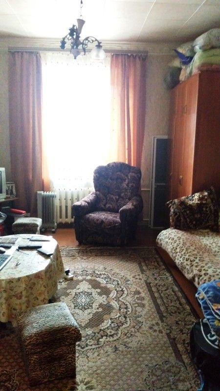 🏨  ПРОДАЮ ДВУХКОМНАТНУЮ КВАРТИРУ В Г. ЯРОСЛАВЛЕ. ЛЕНИНСКИЙ РАЙОН, ул. БЕЛИНСКОГО. Продаётся двухкомнатная квартира  в Ленинском районе на ул. Белинского, д.31/32. Расположена квартира на   первом этаже  трёхэтажного дома, общей площадью 55 кв.м., комнаты раздельные площадью 19+16 кв.м., площадь кухни 7 кв.м. Квартира полногабаритная,  высота потолков  2,9 метра, угловая, окна ПВХ выходят на улицу,   санузел раздельный, просторная прихожая, бетонные перекрытия. Вблизи дома общественный…