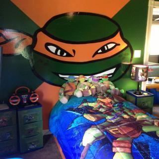Teenage Mutant Ninja Turtles Bedroom... OMG OMG OMG I'm doing this for my sons bedroom and I love MichealAngelo