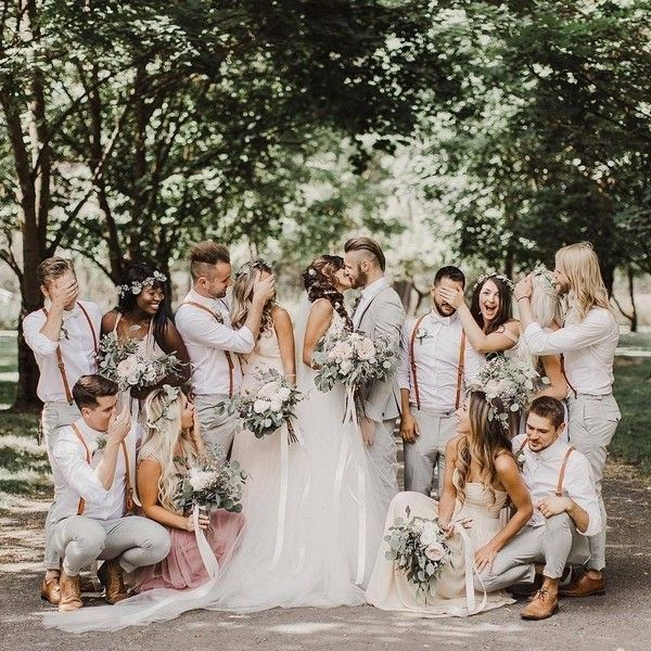 20 Must Have Wedding Photo Ideas With Bridesmaids And Groomsmen In 2020 Wedding Photos Poses Wedding Picture Poses Bride Photography
