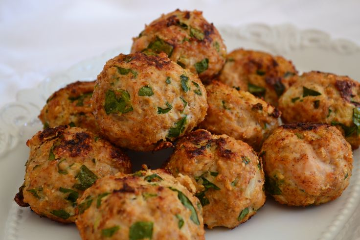 Pure protein balls - Chicken & Spinach meatballs.